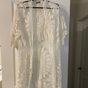 Floral embroidered white duster